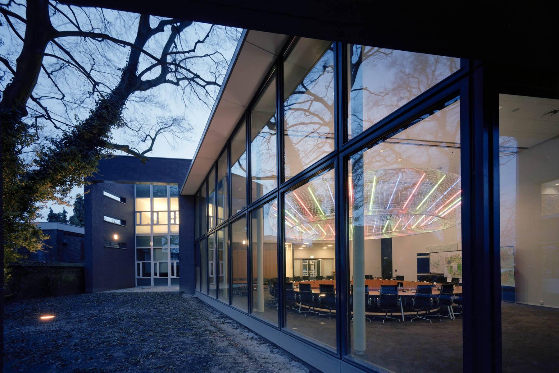 Lichtkunstwerk - Gemeentehuis Gemert Bakel / 2002